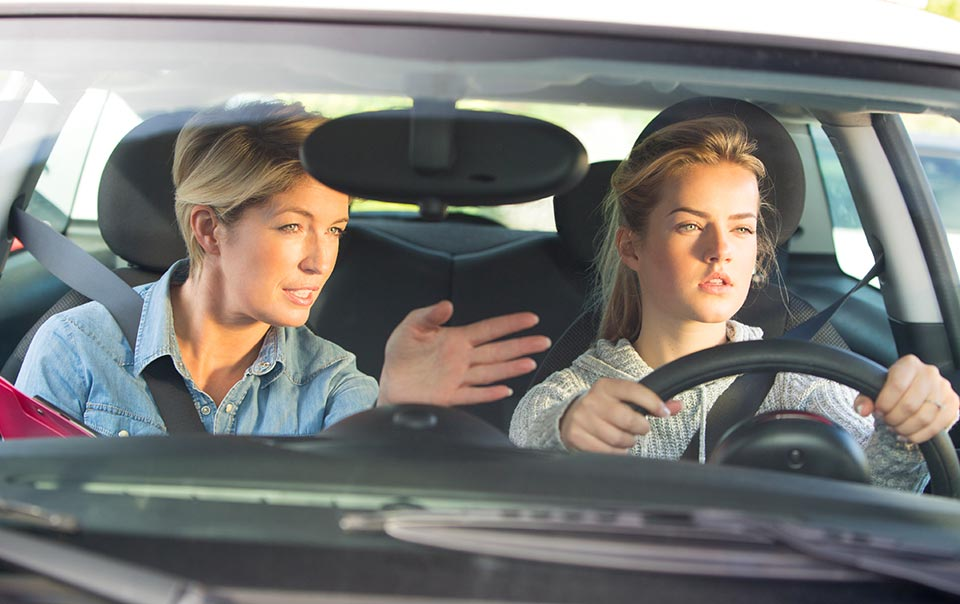 Get The Safe Driving Lessons From Experts Training